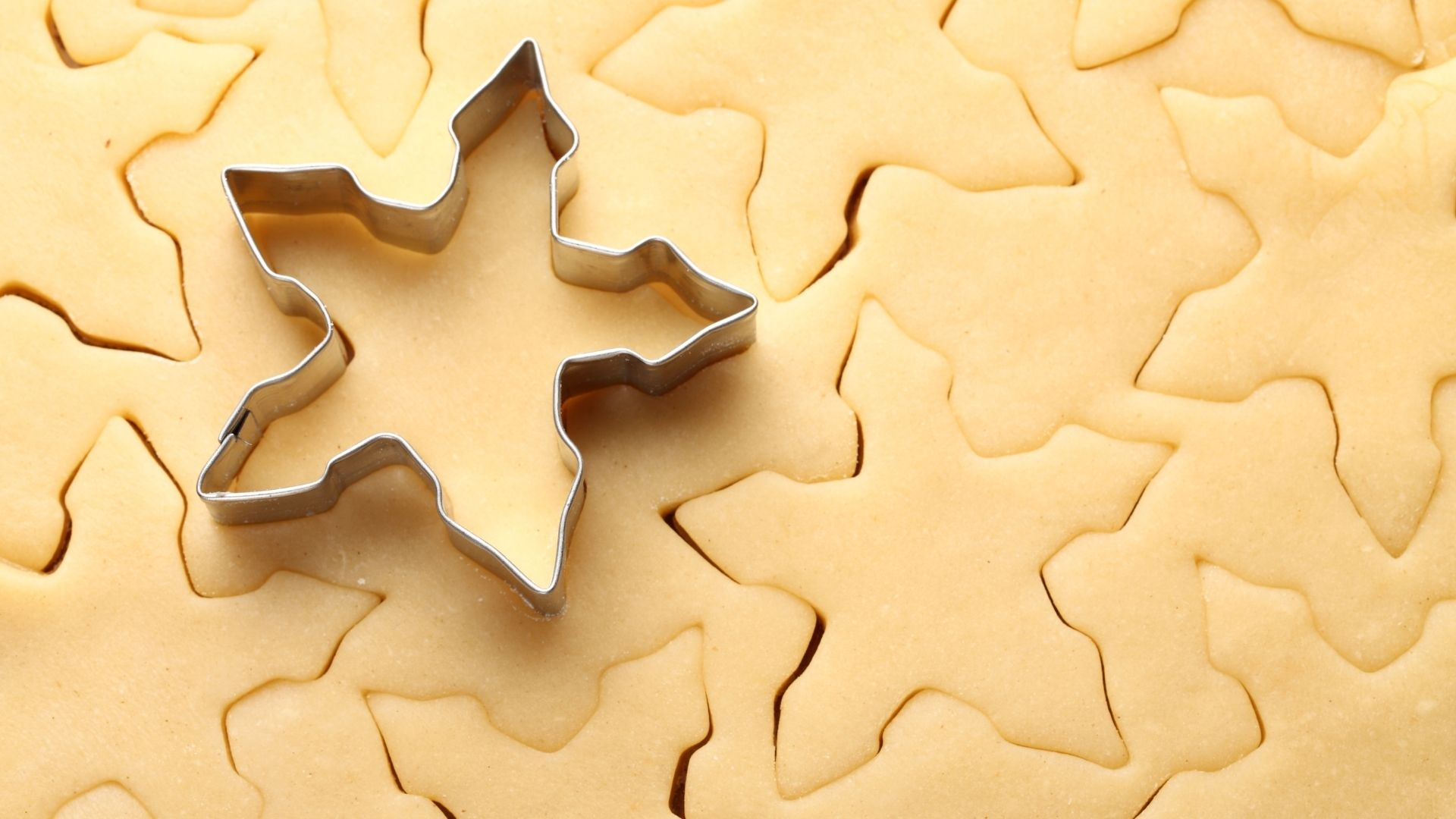 Cookie cutter repeating the same shape